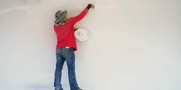 初めての外壁塗装で不安です。家は54坪の2階立てです。どのような工事が行われるのか教えてください。